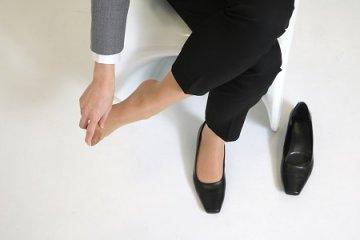 Fáj a lábfeje? A cipője és a gerince is okozhatja