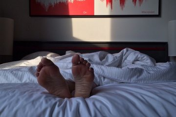 Nem hagyja aludni a derékfájás? Íme, a segítség!
