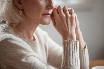 Hogyan lehet segíteni az emlőműtét utáni krónikus fájdalmon?