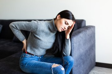 Stressztől is fájhat a háta, hátfájástól is lehet stresszes