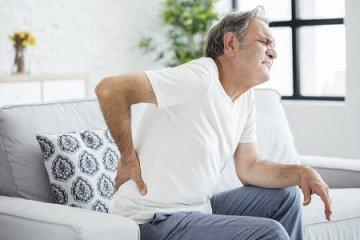 Farokcsonti fájdalom - üléskor fokozódik