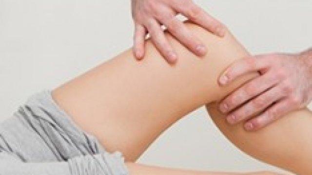 Nem használ a fájdalomcsillapító? Hialuronsavval enyhíthető a térdfájdalom
