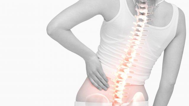 A gerincferdülés következménye, csípőízületi porckopás lehet