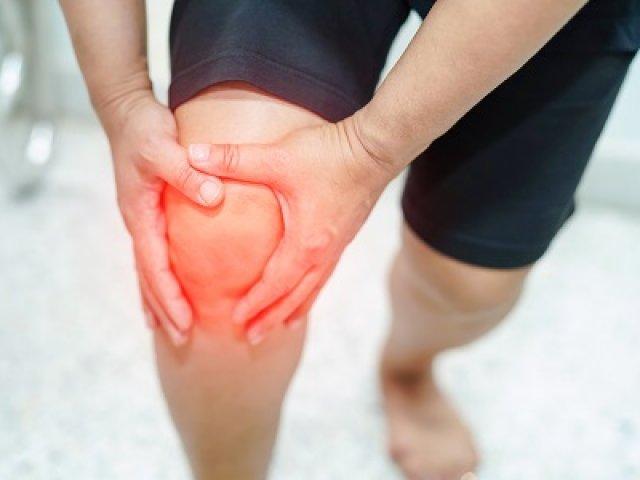 Porcleválás vagy porckopás? Nem mindegy, mitől fáj a térde A fájdalomcsillapítás és az oki kezelés is elérhető