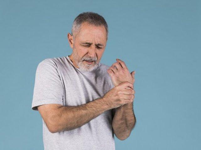 Zsibbad, gyenge a karja? Van segítség az alagút szindrómára A reumatológus számos módszerrel segíthet az alagút szindrómán