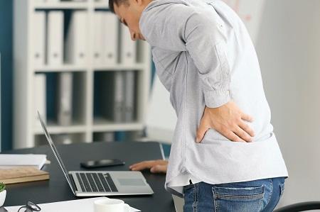Az ízületi fájdalmak kezelésében a reumatológia és a mozgás is segíthet.