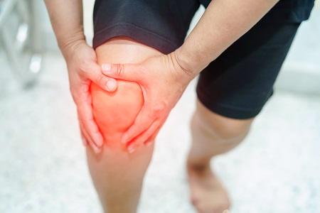 A sportsérülések kezelésében segít a hialuronsav injekció és a gyulladás csökkentők.